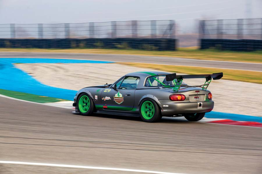 Mazda MX-5 NB turbo preparazione 286 CV Time Attack